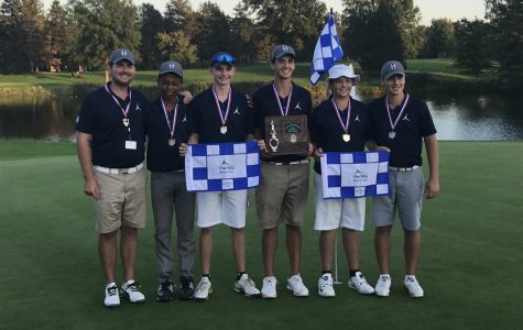 Boys golf tees up at states