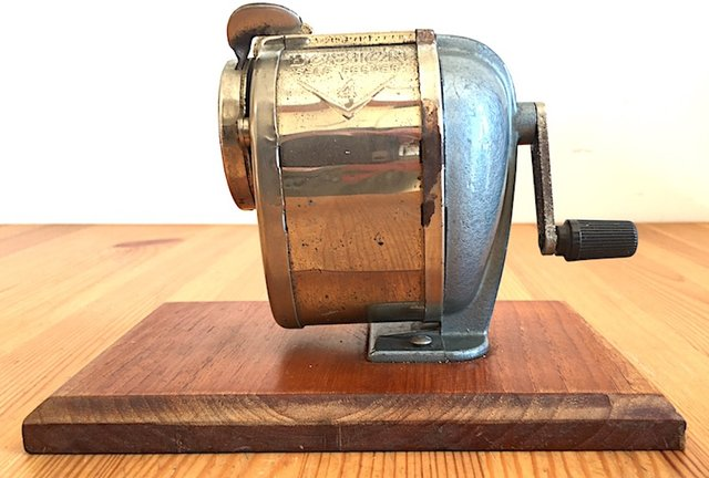 An obituary to a pencil sharpener